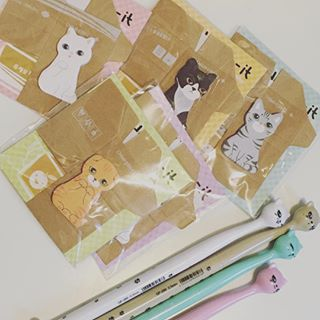 The cutest sticky notes & pens from @wordassassin! Not pictured? My BN gift card because it is gone, lol. ❤️❤️ Loved celebrating my birthday today, haha! #pens #stationerylover #bffls #cats