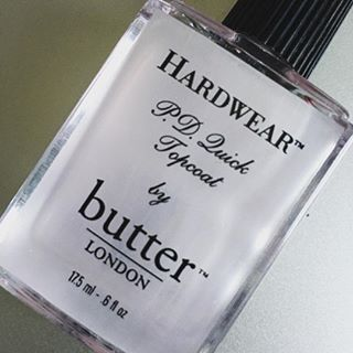 This topcoat needs to be in your nail polish collection! @butterlondon is love! #crueltyfree #crueltyfreebeauty #nailpolish #bblogger
